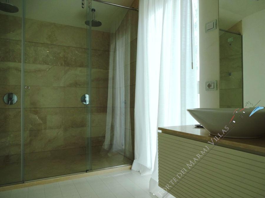 Villa Lucente  : Bagno con doccia