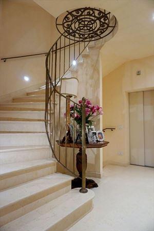 Villa Maestro : Scale di marmo