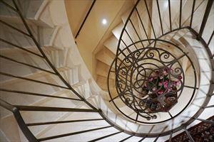 Villa Maestro : мраморная лестница