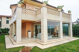 Villa Maestro villa singola in affitto e vendita Centro Forte dei Marmi