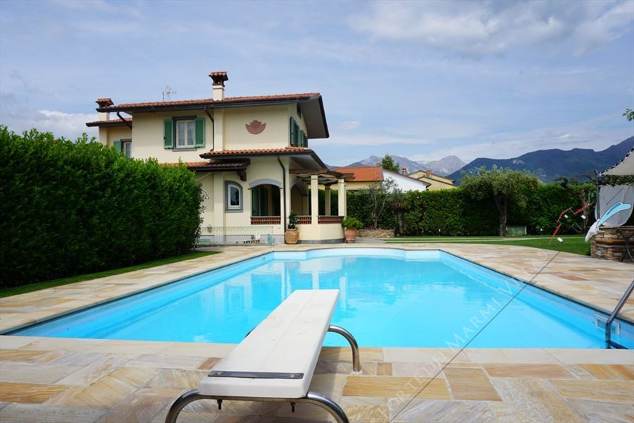 Villa Marielle : Piscina