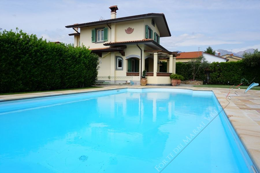 Villa Marielle - Detached villa To Rent Forte dei Marmi