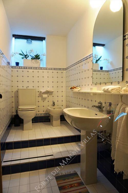 Villa Marilena : Bathroom