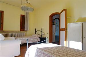 Villa Maristella 2 : спальня с двумя кроватями