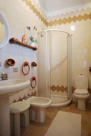 Villa Maristella 2 : Ванная комната с душем