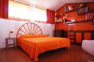 Villa Maristella 2 : спальня с двуспальной кроватью