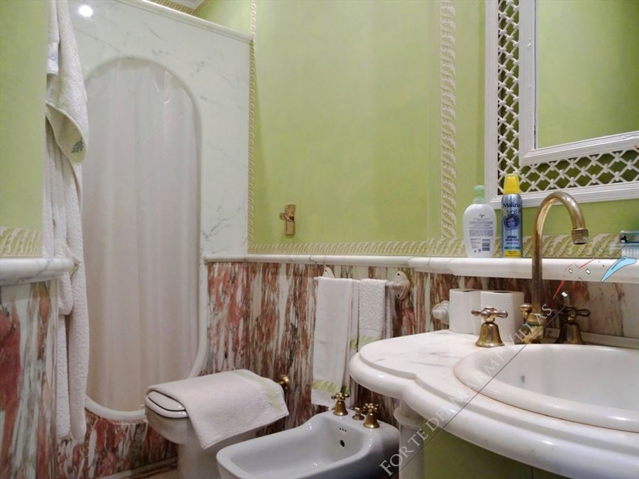 Villa Exclusive  : Bathroom with shower