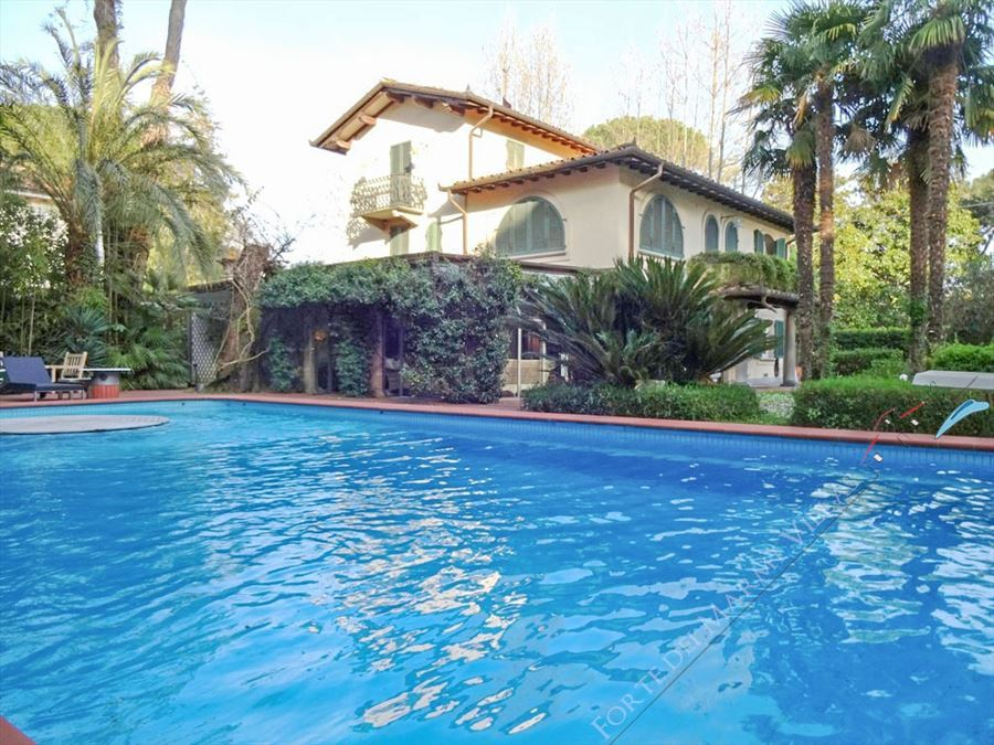 Villa Exclusive  detached villa to rent and for sale Forte dei Marmi