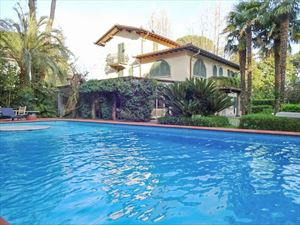 Villa Exclusive : Detached villa Forte dei Marmi