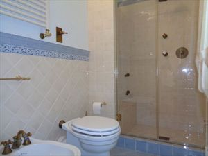 Villa Mirabella  : Bathroom with shower