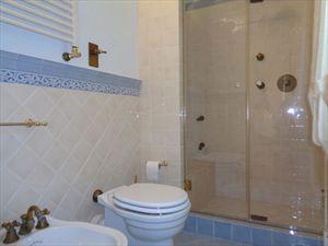 Villa Mirabella  : Bathroom with shower