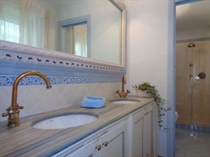 Villa Mirabella  : Bagno con doccia