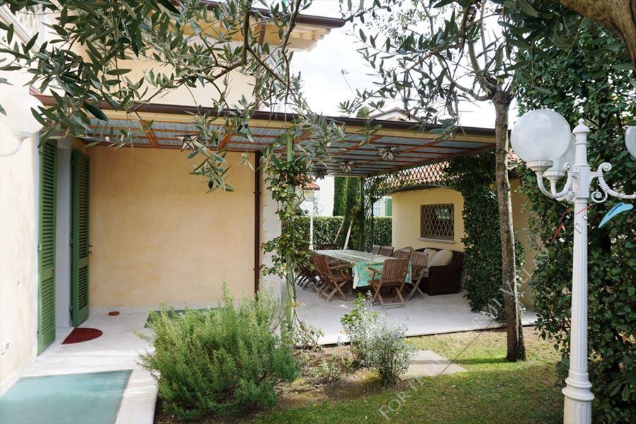 Villa Nicoletta : Outside view