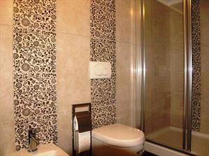Villa Esmeralda : Ванная комната с душем