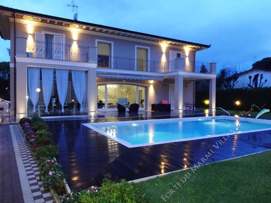 Villa Quality House detached villa to rent and for sale Forte dei Marmi