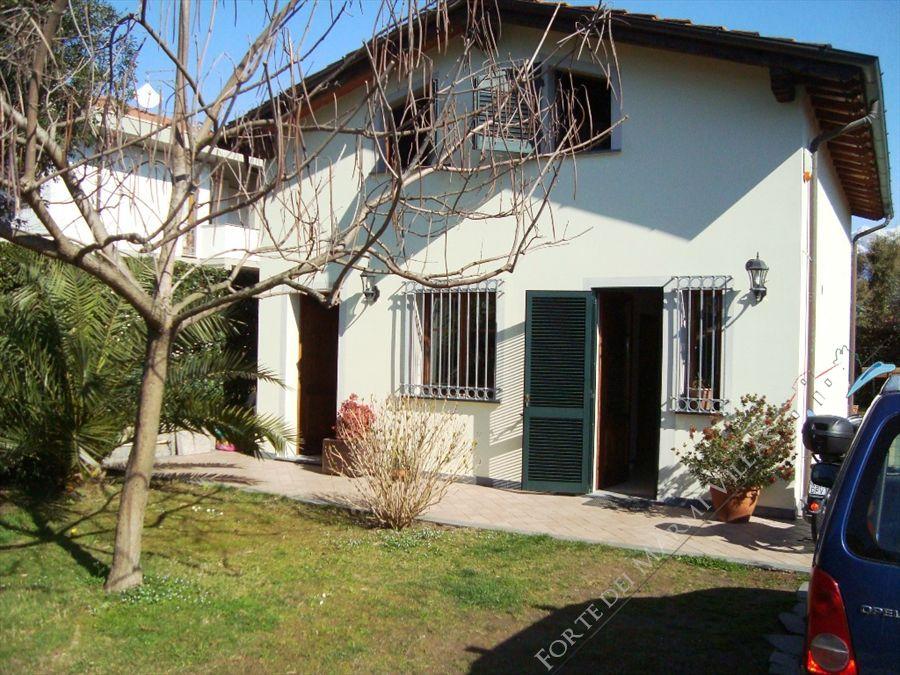 Villa Leda  - Detached villa Forte dei Marmi