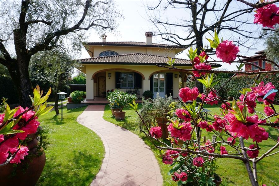 Villa Peonia - Detached villa To Rent Forte dei Marmi