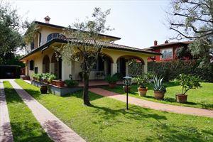 Villa Peonia : Outside view