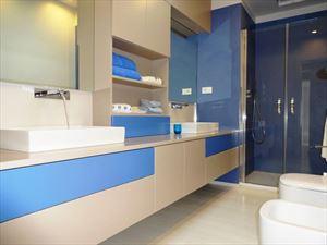 Villa Sibel : Bathroom with shower