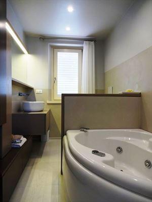 Villa Sibel : Bagno con vasca