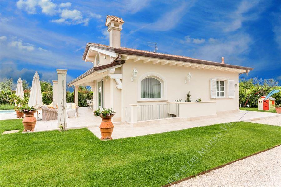 Villa Sibilla   : Outside view