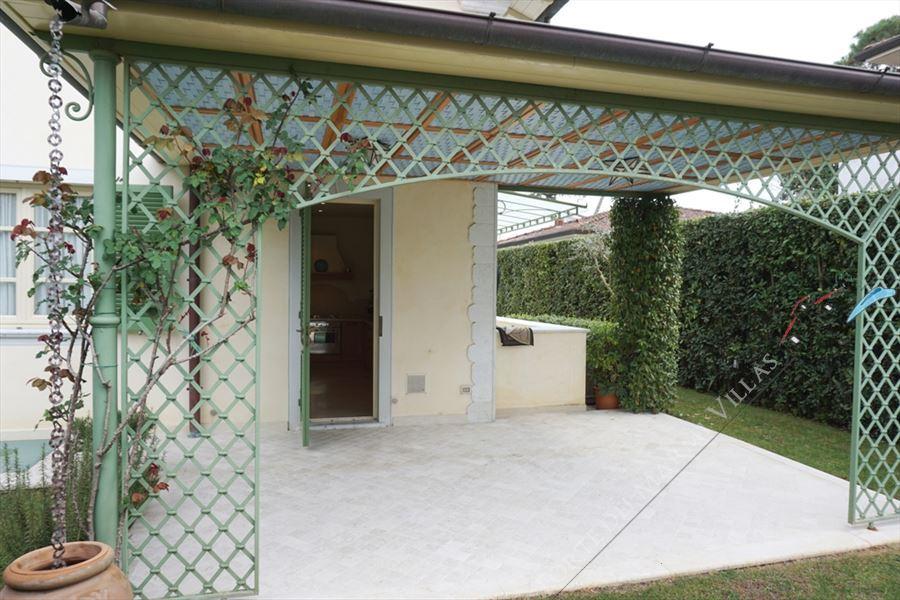 Villa Simonetta : Outside view