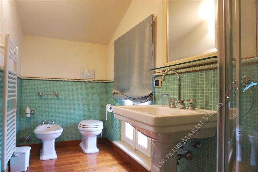 Villa Simonetta : Bathroom