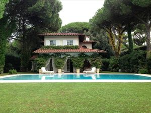 Villa Sirena : detached villa to rent Roma Imperiale  Forte dei Marmi