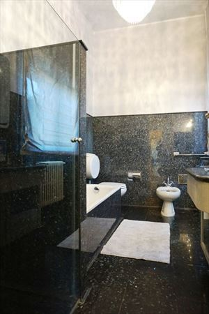 Villa Venezia : Bathroom with shower