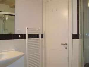 Villa Morin  : Bathroom with shower