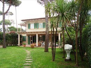 Villa Morin  : Outside view