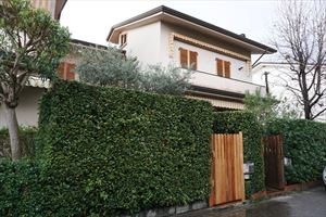 Villa Maggiorana: Terraced villa Forte dei Marmi