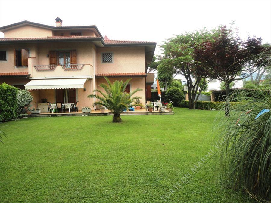 Villa Eleonora  - Villa bifamiliare Forte dei Marmi