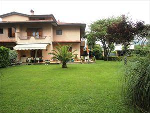 Villa Eleonora : Semi detached villa Forte dei Marmi