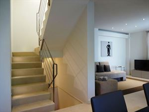 Villa Audrey : мраморная лестница
