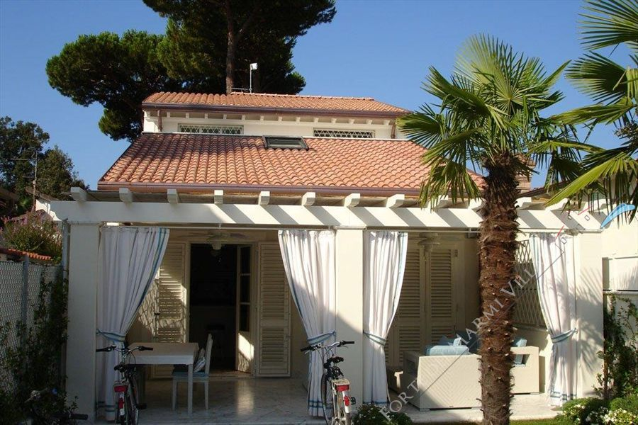 Villetta Emilia - Detached villa To Rent Forte dei Marmi