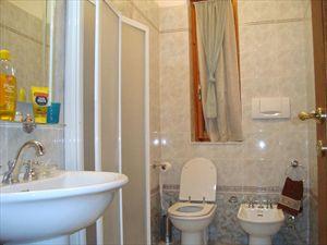 Villa Vera : Bathroom with shower