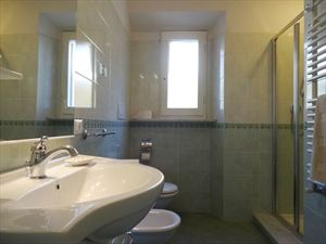 Villetta  Franco  Mare  : Bathroom with shower