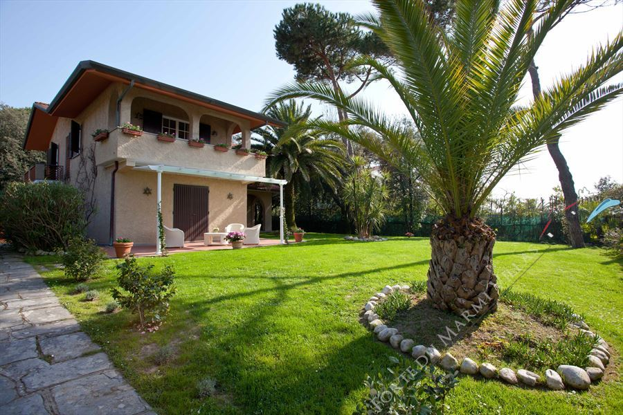 Villa Marina  : Outside view