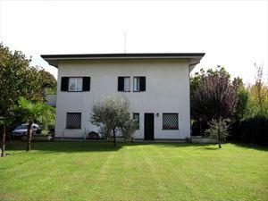 Villetta Roberto: Villa bifamiliare Forte dei Marmi