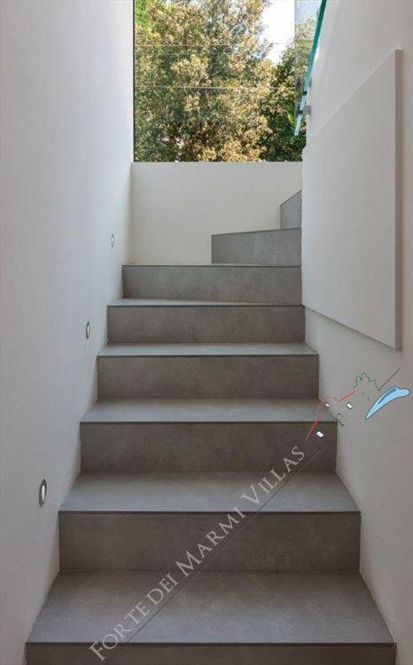 Villa Hermosa  : Marble stairs