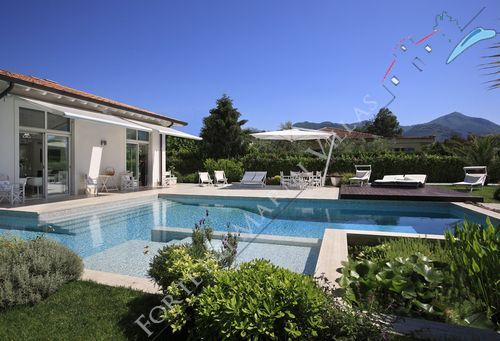 Villa Acquamarina - Detached villa To Rent Marina di Pietrasanta