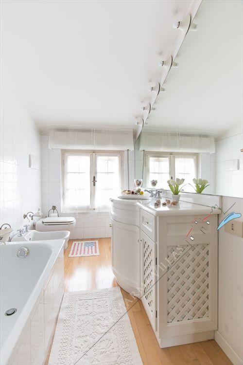 Appartamento Fortino  : Bathroom with shower