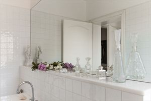Villa Michela  : Bathroom with tube