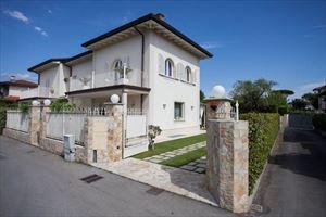 Villa Preziosa : Semi detached villa Forte dei Marmi