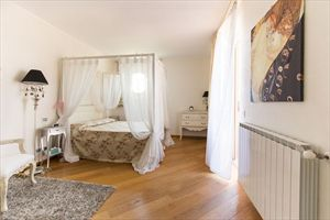 Villa delle Rose : хозяйская спальня