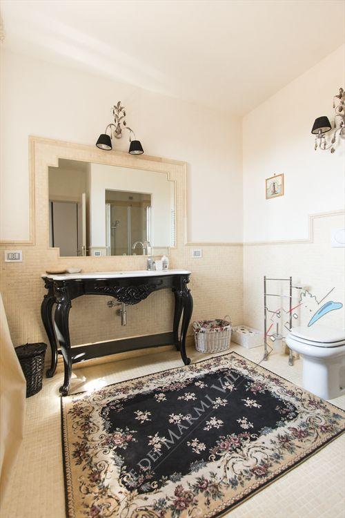 Villa delle Rose : Inside view