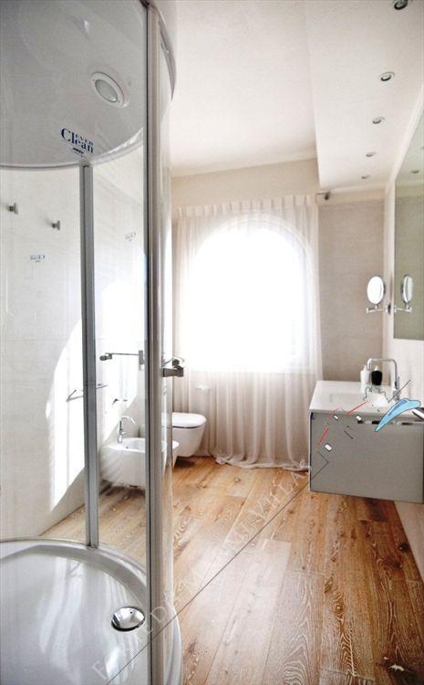 Villa Valentina  : Bathroom with tube