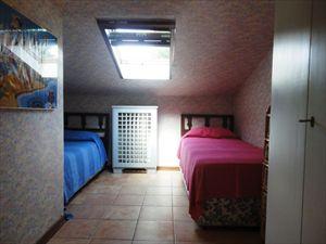 Villa  Principessa : спальня с двумя кроватями