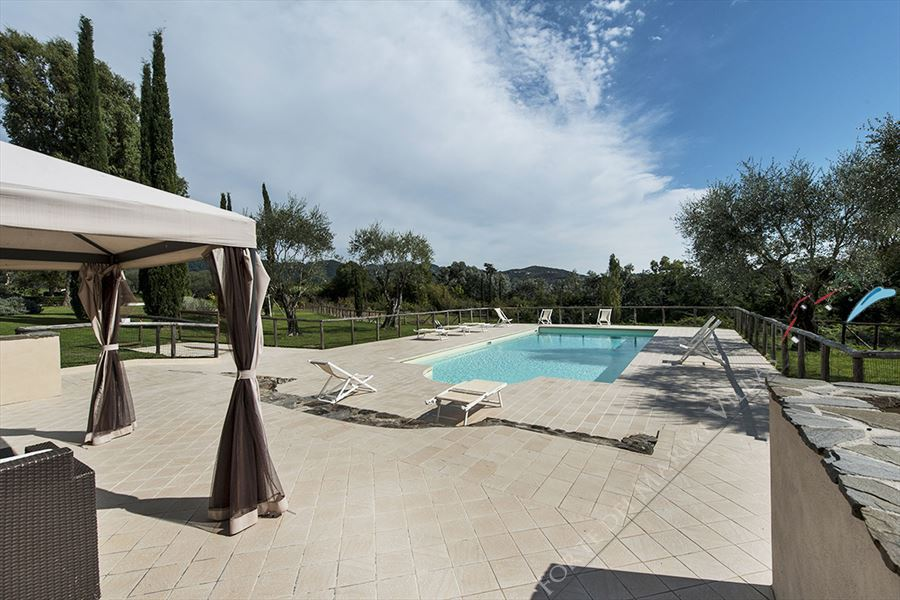 Villa con piscina   Versillia  - Detached villa Camaiore